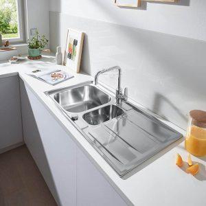 GROHE Кухненска мивка с плот за отцеждане и две корита