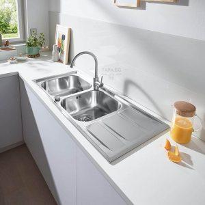 GROHE Кухненска мивка с две корита и плот за отцеждане
